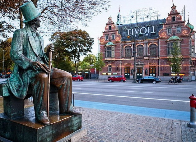 памятник сказочнику Гансу Христиану Андерсену в копенгагене дания
