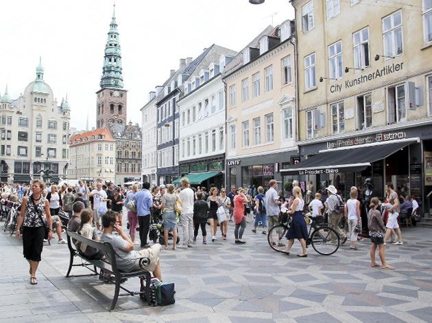 Улица Стрегет самая длинная пешеходная улица Копенгаген Дания