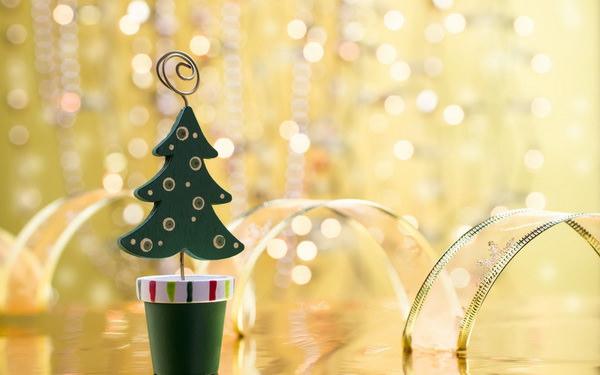Как выбрать подарок на Новый год и не разориться?