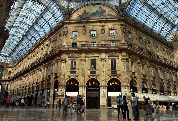 Галерея Витторио Эмануэле (Galleria Vittorio Emanuele) в Милане Италия