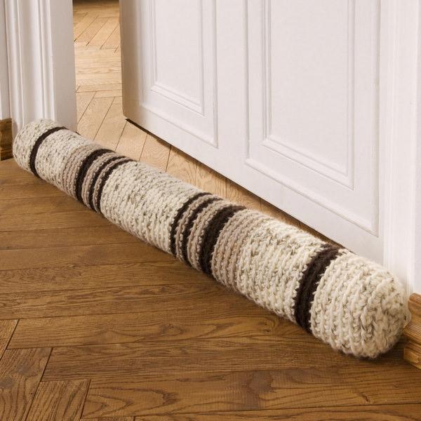 вязаный валик от сквозянков под дверь