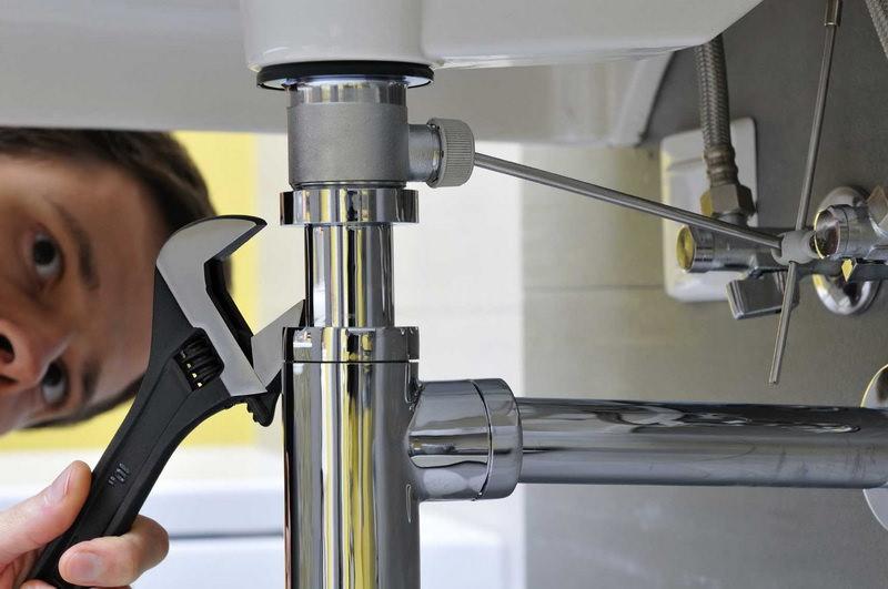 Как сэкономить на ремонте сантехники