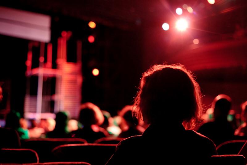 Как дешево попасть в театры