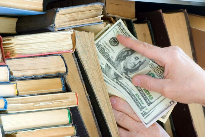 Где не стоит прятать деньги в квартире