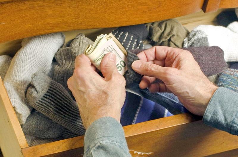 Где не стоит в квартире прятать деньги