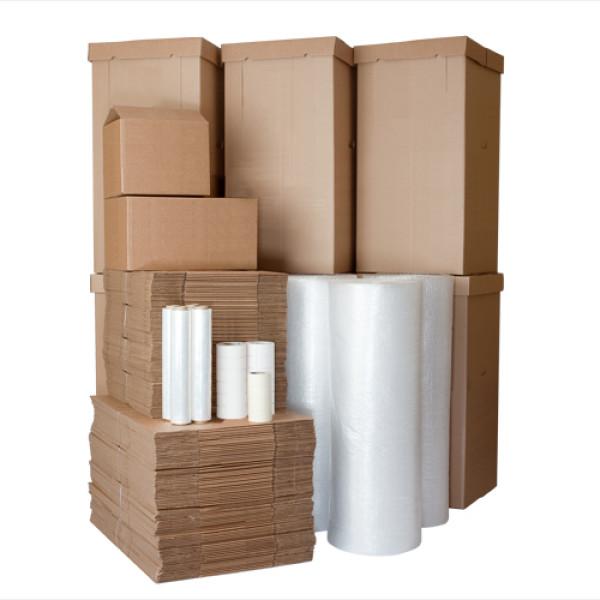 упаковочные коробки и пленка