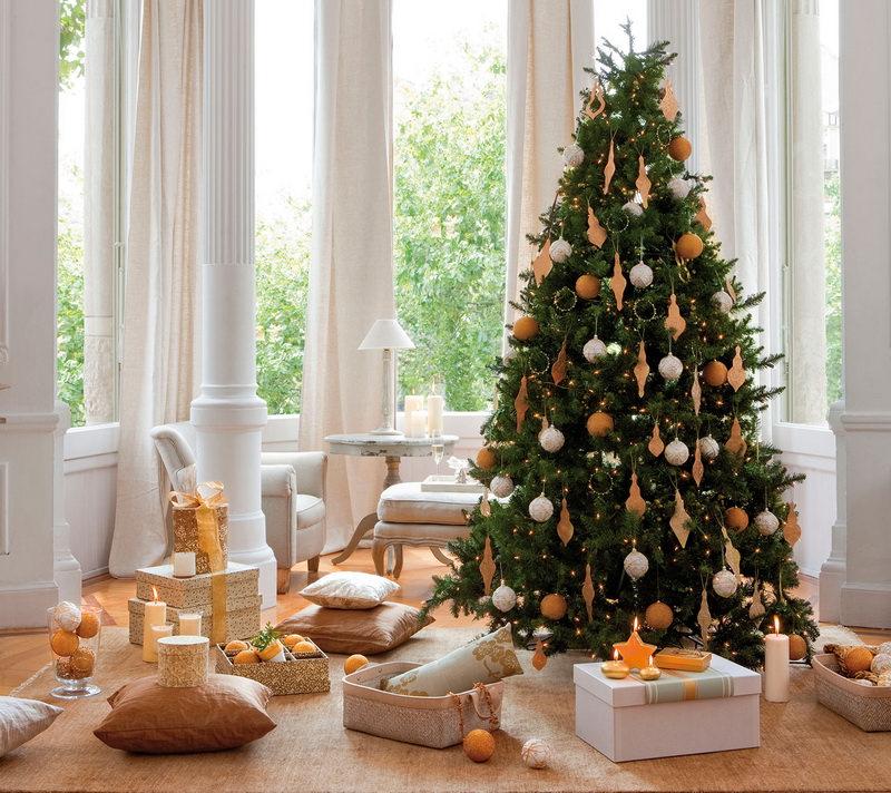 Новогодняя елка в оранжевых тонах