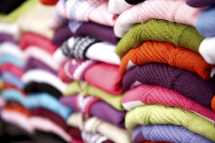 Полки с одеждой
